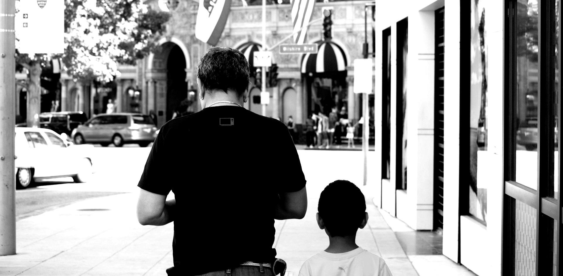 """""""Quanto mais histórias as pessoas partilharem, mais fortes os pais em luto poderão se sentir"""""""