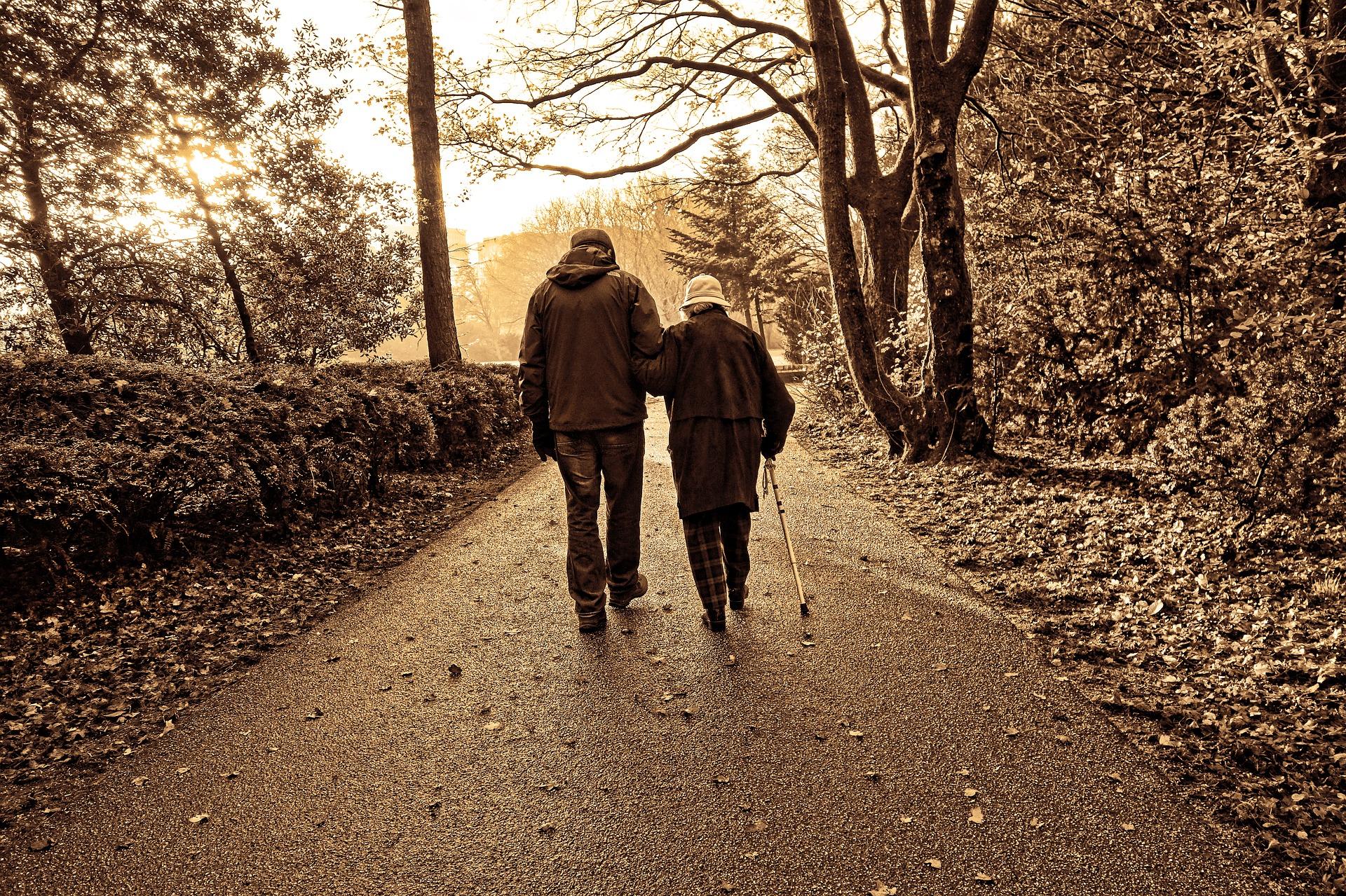 Entenda como o luto impacta na saúde mental das idosas